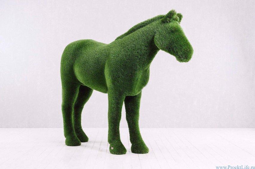 Садовая фигура -Конь