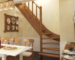 Готовая лестницы на второй этаж ЛС-07м‑3