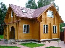 """Дом из бруса с мансардой и крыльцом 8,5×9 """"Эталон"""""""