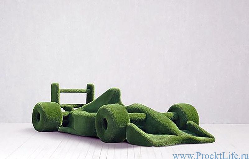 Садовая скульптура - гоночная машина